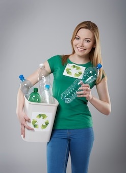 재활용은 재난으로부터 세상을 보호 할 수 있습니다