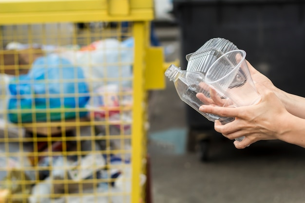 Recycling of plastic waste