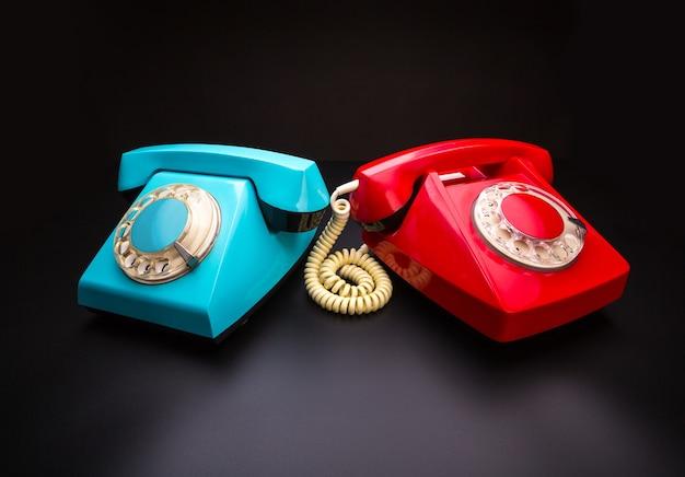 赤と青の電話