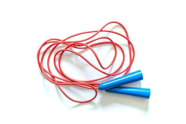빨간색과 파란색 묶인 줄넘기 절연 f