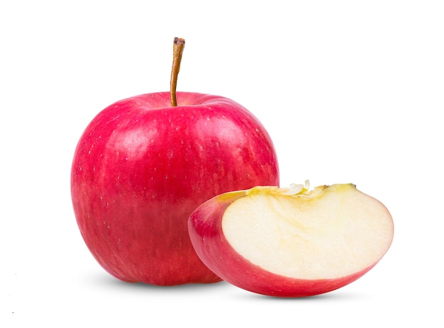 Красное яблоко на белом фоне