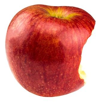 Красное яблоко, которое укусили, изолированное на белом фоне.