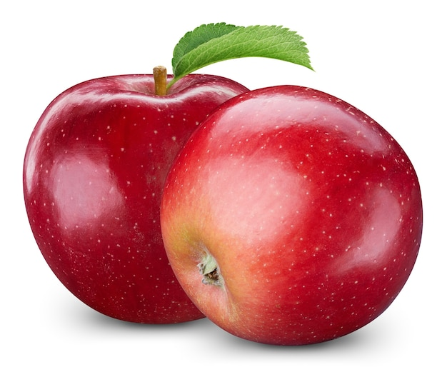 白い背景で隔離の赤いリンゴ。熟した新鮮なリンゴのクリッピングパス。葉のあるリンゴ