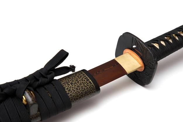 赤い刃の日本刀黒紐