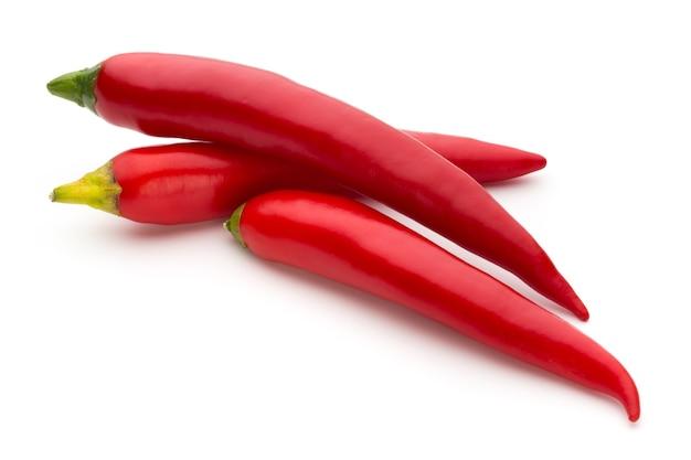 Красный перец чили, изолированные на белом фоне