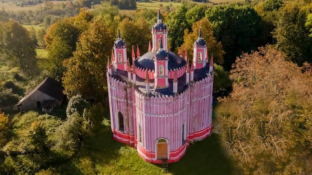 Красная церковь преображения господня село красное тверская область россия вид с воздуха