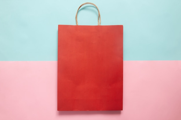 브랜딩 및 기업 정체성을위한 붉은 색 쇼핑백 모형