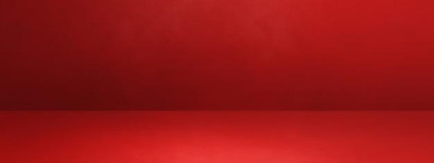 Красный бетонный интерьер фон баннера. пустая шаблонная сцена