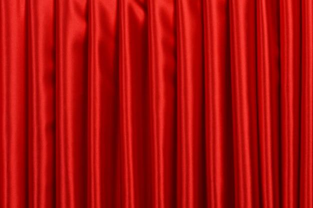 Красный занавес крупным планом