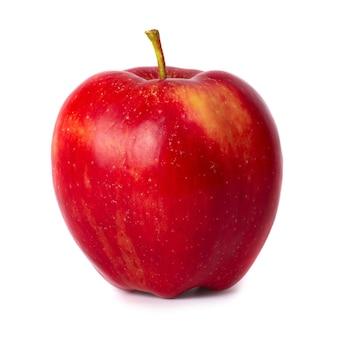 白い背景で隔離の赤い新鮮なリンゴ