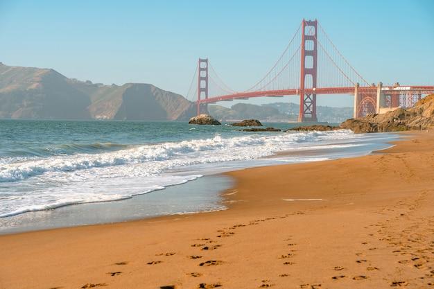 샌프란시스코의 붉은 금문교