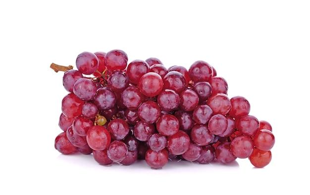 ホワイトスペースで分離された赤ブドウ