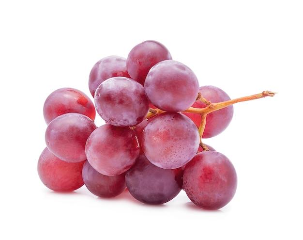 Красный виноград, изолированные на белом фоне