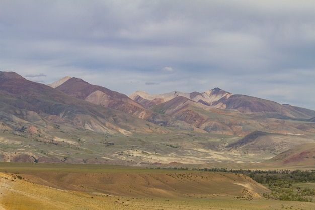 Red mountains in kyzyl chin valley in altay