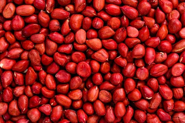 赤いピーナッツ。