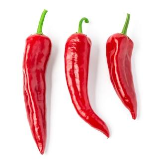 Красный перец, изолированные на белом фоне