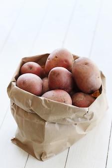 Красный картофель