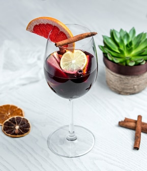 Red sangria with grapfruit slices