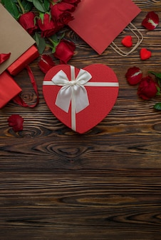 Red shopping craft bags with lovers gifts heartshaped gold foil packaging box