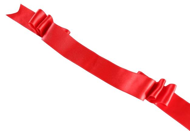 Красная шелковая лента, изолированная на белом