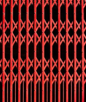 Красный стальной дверной фон