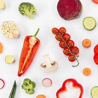 赤い甘いカピアピーマンとトマト