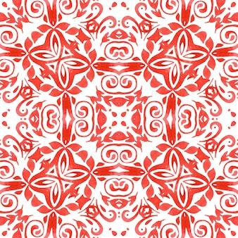 赤い水彩の手描きのシームレスな幾何学模様のタイルのデザインの表面。装飾的なセラミックタイル。