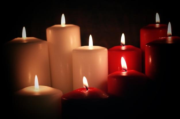 빨간색 흰색 촛불