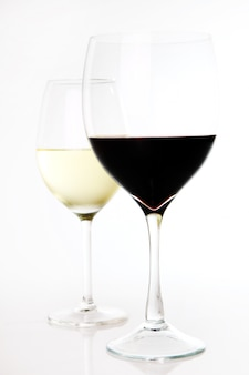 Red and white wine in glasses