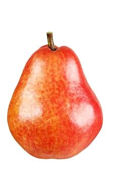 白い背景で隔離の赤い丸梨。完全な被写界深度。クリッピングマスク。