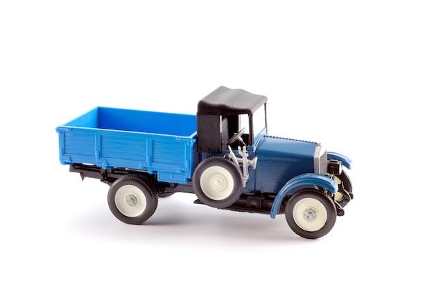 20세기 초에 생산된 트럭의 축소판