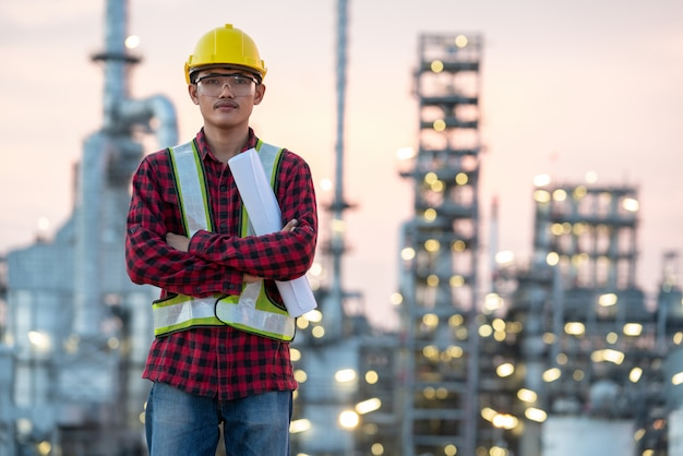 Refinery industry engineer  wearing ppe at refinery construction site