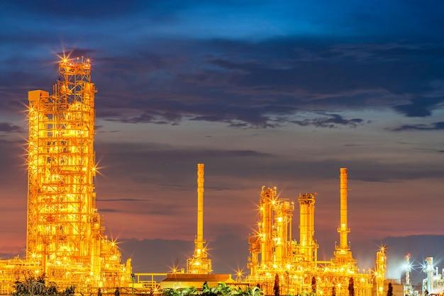 日没時の製油所石油および石油化学電力および化学プラント産業