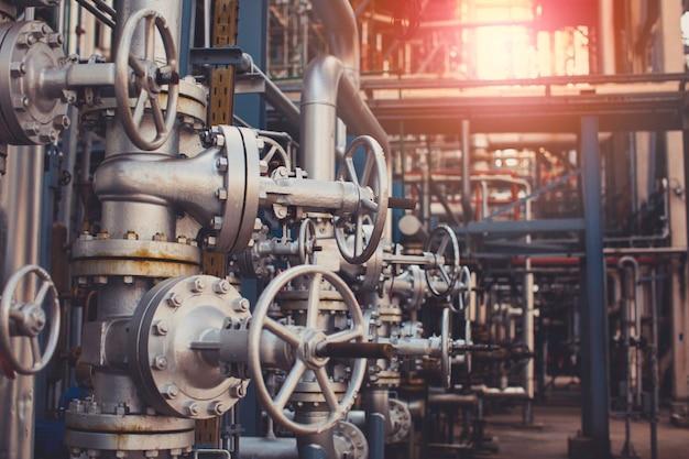 Оборудование нефтеперерабатывающего завода для трубопроводной нефтегазовой арматуры на газовом заводе предохранительный клапан селективный