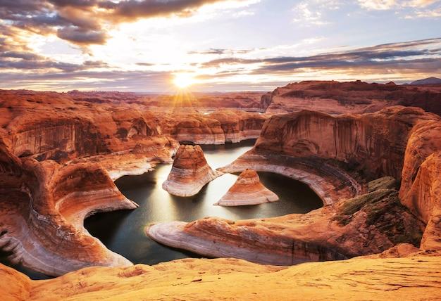 Reflection canyon in powell lake, usa.