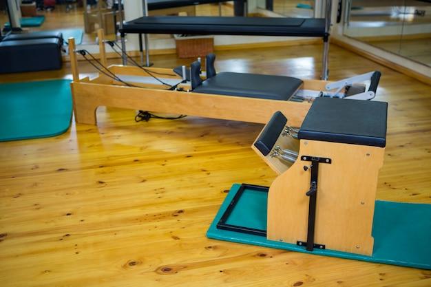 木製の床の改質とwundaの椅子