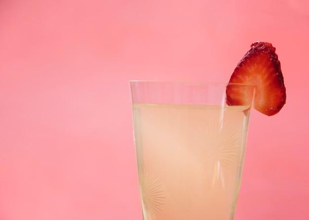 イチゴとさわやかなドリンク