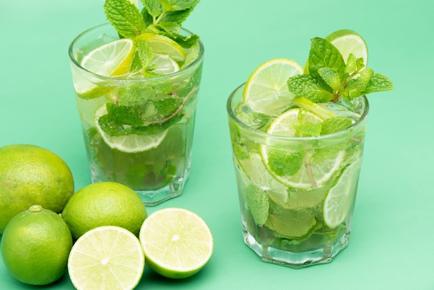 Refreshing mojito cocktail drinks in the glasses