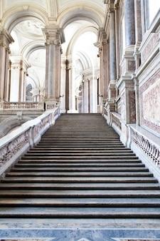 레지아 디 카세르타(caserta royal palaca), 이탈리아. 300년이 넘은 고급스러운 인테리어