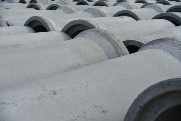 Reinforced concrete pipes of large diameter for communications