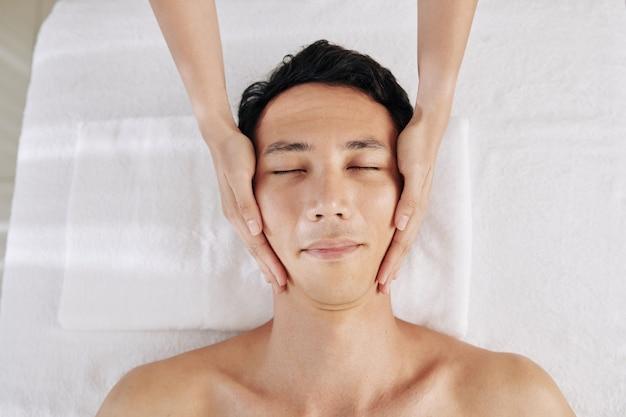 Rejuvenating face massage