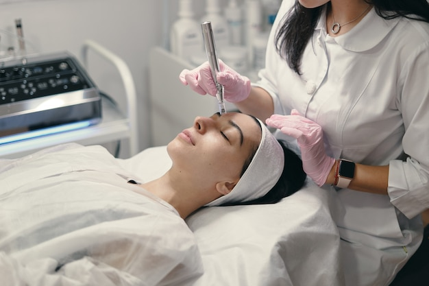Rejuvenating facial treatment