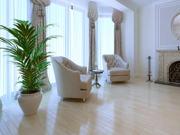 Место для отдыха у панорамного окна от пола до потолка с камином