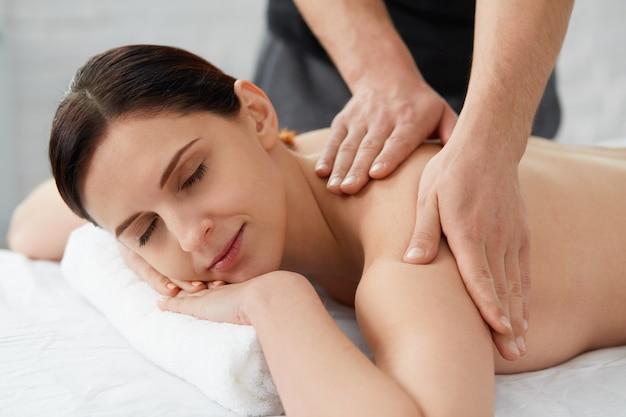 휴식, 미용, 신체 및 얼굴 치료 개념.