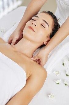 Relaxing shoulder massage