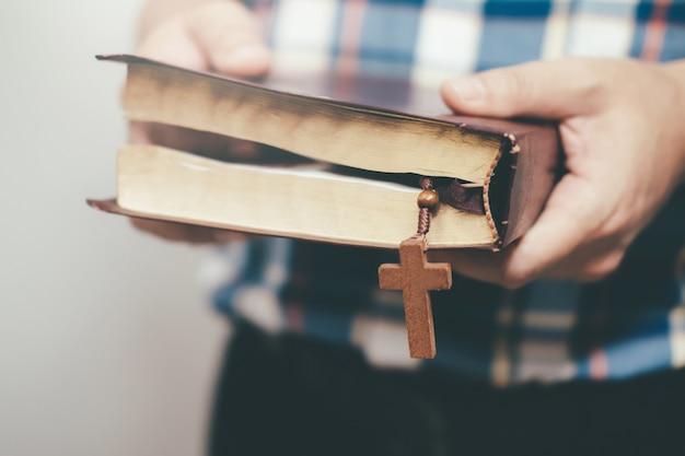 종교 기독교 개념 배경입니다.