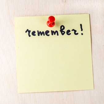 Remember note on paper post it