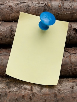 Reminder notes on the old wooden logs