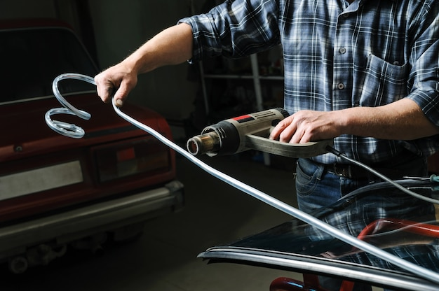 車のフロントガラスの修理と交換。