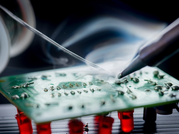 Repair of electronic devices,soldering and circuit board